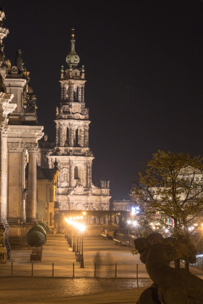 Blick über die Brühl'sche Terrasse auf die katholische Hofkirche, Dresden