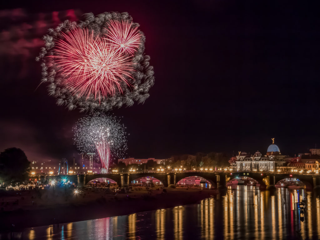 Abschlussfeuerwerk zum Canaletto Stadtfest • Dresden